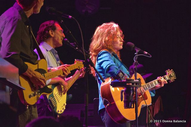 Bonnie Raitt - Photo © 2015 Donna Balancia