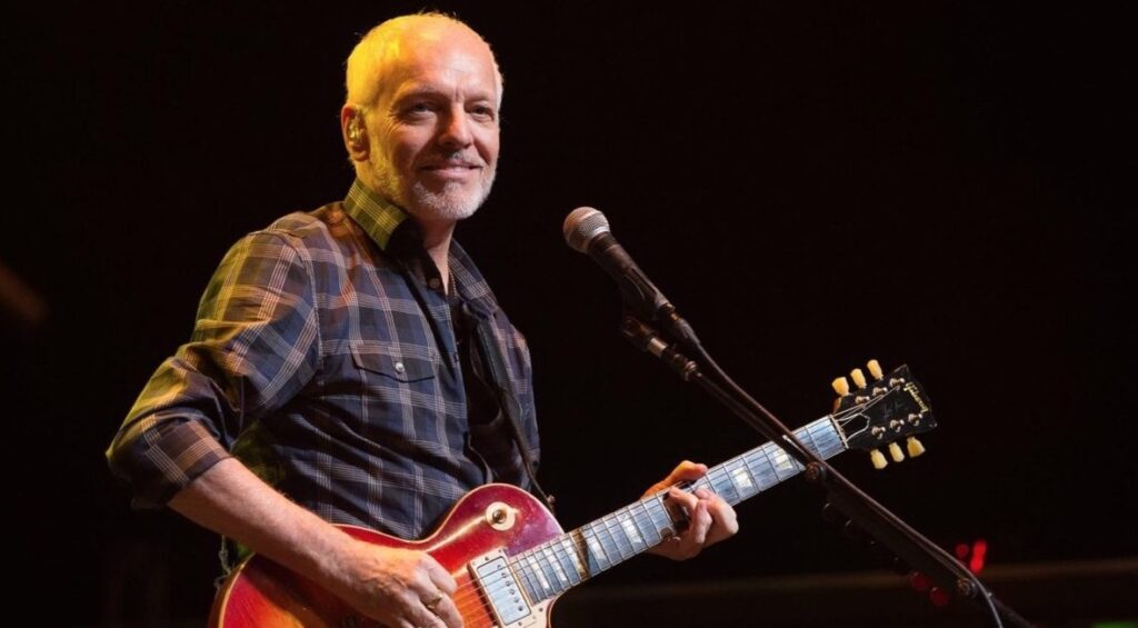 Peter Frampton honored with Les Paul Award - Courtesy