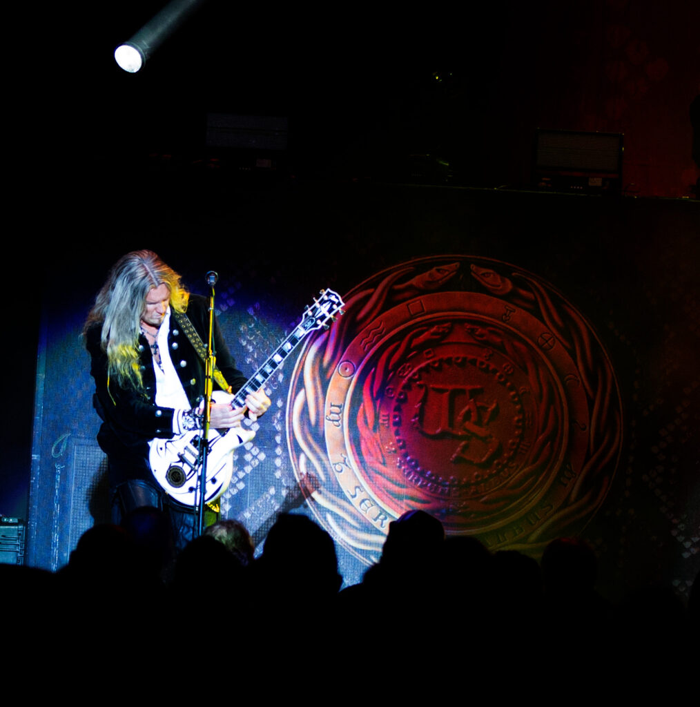 Whitesnake - in concert Photos by Suzanne Hall East Coast Rocker