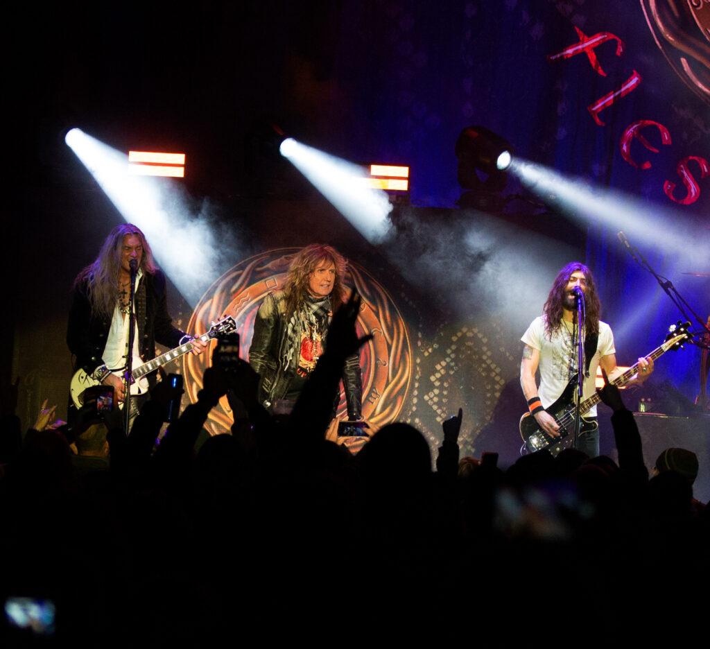 Whitesnake on Flesh and Blood tour - Suzanne Hall photo for East Coast Rocker